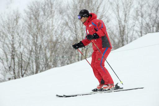 Skier parallel